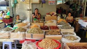VIDEO: Khởi tố vụ án 'Cưỡng đoạt tài sản' tại chợ Long Biên