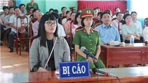 Phạt Huỳnh Thục Vy 2 năm 9 tháng tù giam về tội 'xúc phạm Quốc kỳ'