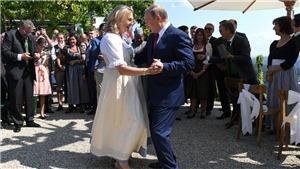 VIDEO: Tổng thống Nga Putin khiêu vũ trong đám cưới của Ngoại trưởng Áo
