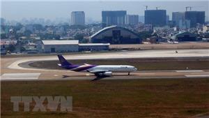 Sa thải 2 nhân viên bốc xếp tại sân bay Tân Sơn Nhất