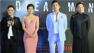 Thanh Duy tươi cười bên dàn diễn viên chính ra mắt 'Lời kết bạn chết chóc' ở Hà Nội