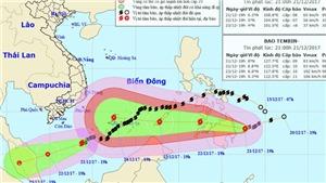 Bão số 16 đã áp sát bờ biển Việt Nam và tiếp tục mạnh lên