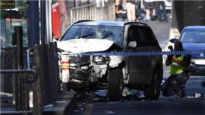 VIDEO: Thời khắc kinh hoàng vụ lao xe vào người đi bộ ở Australia