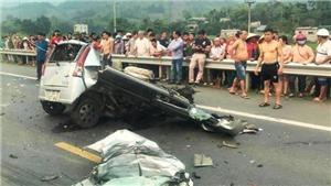 Hai người tử vong do va chạm với xe ô tô bốn chỗ