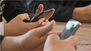 Bộ GD&ĐT sẽ có văn bản hướng dẫn quản lý học sinh sử dụng điện thoại di động trong giờ học