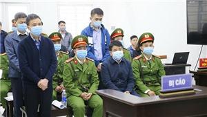 Tuyên phạt bị cáo Nguyễn Đức Chung 5 năm tù về tội 'Chiếm đoạt tài liệu bí mật nhà nước'