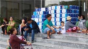 Sau vụ hỏa hoạn 13 người chết, cư dân liên tục rời chung cư Carina Plaza tìm nơi ở tạm