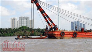 Tìm thấy 2 nạn nhân trong vụ chìm sà lan trên sông Sài Gòn