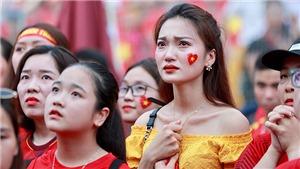 CĐV nghẹn ngào, rơi nước mắt khi U23 Việt Nam thua trên loạt đá 11m trước U23 UAE