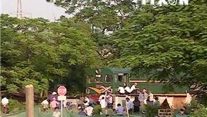 VIDEO: Tai nạn đường sắt nghiêm trọng tại Hà Đông, Hà Nội