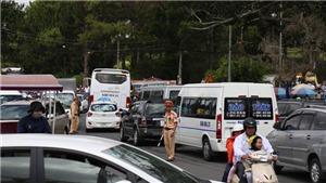 Du khách đổ về Đà Lạt quá đông, giao thông quá tải