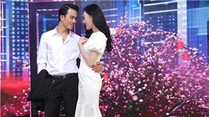 'Quỳnh búp bê' và Cảnh 'soái ca' tình tứ ngọt ngào ở hậu trường ghi hình Tết