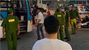 Khẩn trương truy bắt hai đối tượng chặn xe khách, đập phá cửa, cướp tài sản của lái xe