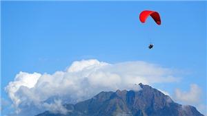 Hoa hậu Khánh Vân trải nghiệm nhảy dù lượn ở độ cao 1.400m