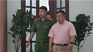 Bắt tạm giam Giám đốc Bệnh viện Mắt Thành phố Hồ Chí Minh Nguyễn Minh Khải