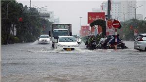 Mưa ngập phố Hải Phòng khiến 2 cháu bé thiệt mạng dưới hồ nước