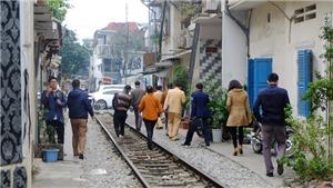 Công an vào cuộc, xử lý nghiêm các quán cafe nằm giữa đường ray tàu