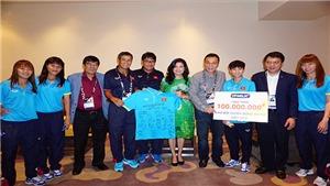 U22 và đội nữ Việt Nam được tặng 200 triệu đồng