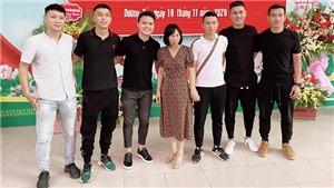 Quang Hải về thăm lò 'Hoàng Anh Gia Lâm' trong ngày 20/11
