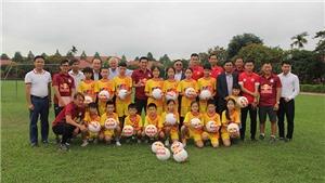 CLB HAGL và Thanh Hóa tặng quà cho Làng trẻ em SOS Thanh Hóa