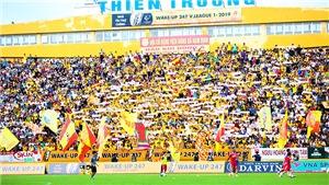 Cầu thủ Nam Định đồng lòng giảm 25% lương hỗ trợ đội bóng