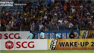 Trọng tài bị 'tấn công' trên sân Hàng Đẫy sau sự cố với HLV Chu Đình Nghiêm