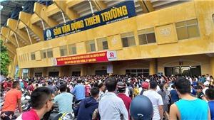 Cò vé trận Nam Định vs HAGL bị bắt giữ ngay tại sân Thiên Trường