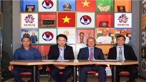 Trợ lý của HLV Guus Hiddink dẫn dắt tuyển Việt Nam
