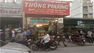 Thành phố Hồ Chí Minh: Điều tra vụ nghi dùng súng cướp tiệm vàng ở huyện Hóc Môn