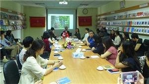 Các nghệ sỹ Canada trao đổi kiến thức hội họa với các đồng nghiệp Việt Nam
