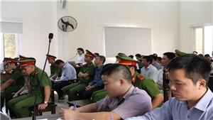 Phiên tòa xử ông Nguyễn Hồng Khanh, nguyên Bí thư Thị ủy Bến Cát sẽ tiếp tục phần tranh luận ngày 16/12