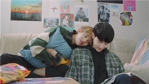 Hàn Quốc: Cảnh hôn đồng giới 'bỏng mắt' khiến MV bị dán nhãn 19+