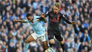 Arsenal thua Man City, Wenger mắng Sterling là 'kẻ ăn vạ siêu hạng'