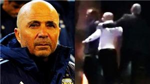 HLV ĐT Argentina lăng mạ, dùng lương thấp sỉ nhục cảnh sát giao thông
