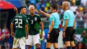 HLV Mexico tố trọng tài thiên vị Brazil, mắng Neymar là 'thằng hề'