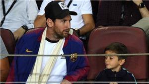 Messi choáng khi con trai vẽ... logo Juventus tặng bố