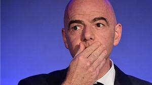 Chủ tịch FIFA bị tố bảo kê, bao che cho Man City và PSG lách luật công bằng tài chính