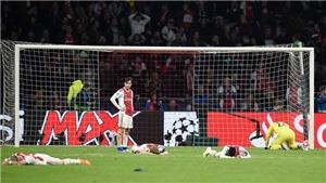 Xót xa khoảnh khắc cầu thủ Ajax nằm sân lặng đau sau bàn quyết định của Moura