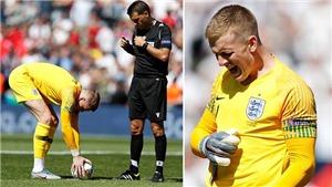 Thủ thành Pickford gây sốt khi vừa phá penalty, vừa sút thành công giúp Anh hạ Thụy Sỹ