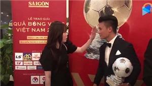 Quang Hải và bạn gái Huỳnh Anh thân mật tại gala Quả Bóng Vàng Việt Nam