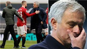 MU: Luke Shaw và Solskjaer ăn mừng ngay trước mặt Mourinho