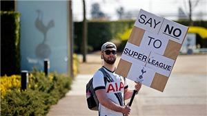 CĐV biểu tình phản đối Super League