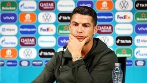 Tin EURO 18/6: UEFA nổi giận với sự cố Ronaldo. Eriksen đồng ý cấy máy hỗ trợ nhịp tim