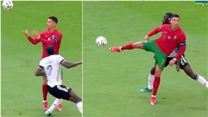 CĐV phát cuồng vì pha chuyền bóng không cần nhìn của Ronaldo