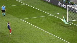 Cựu danh thủ Gary Neville tuyên bố đã biết Mbappe sẽ đá hỏng 11m