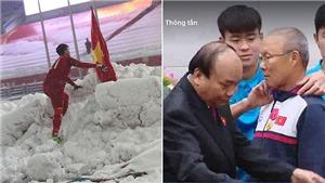 Đáng phục Duy Mạnh: Cắm cờ, cúi chào ở Thường Châu, vén cổ áo cho HLV Park Hang Seo