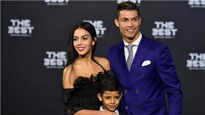 Ngây ngất trước vẻ đẹp của bạn gái Ronaldo trên trang nhất tạp chí Woman