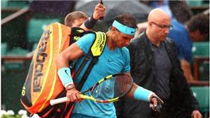 Nadal gặp khó ở Tứ kết Roland Garros, trời lại đổ mưa giải cứu, hoãn trận đấu