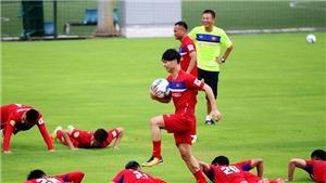 Tuyển Việt Nam tập làm quen sân cỏ nhân tạo tại Campuchia, GĐKT Gede theo chân U18 Việt Nam