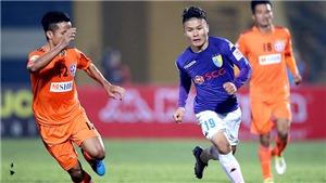 HAGL bị cảnh cáo vì xe cứu thương 'bỏ rơi' cầu thủ SLNA, Quang Hải dính chấn thương